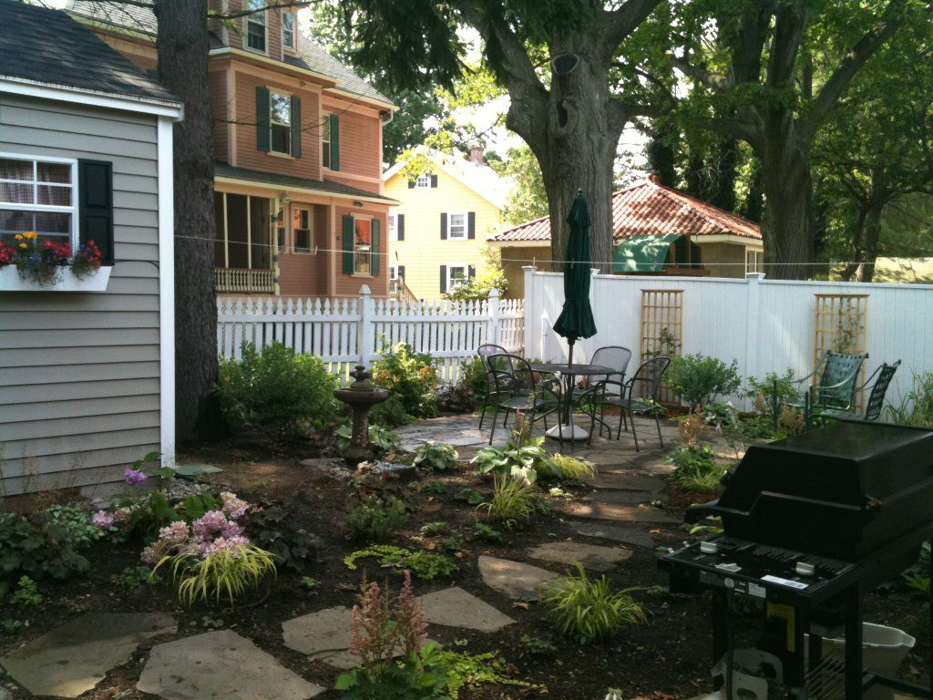 Melrose back yard with patio