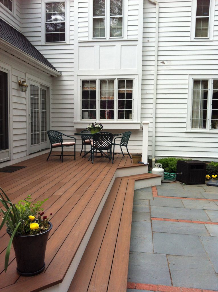 Porch deck (Dining area view)